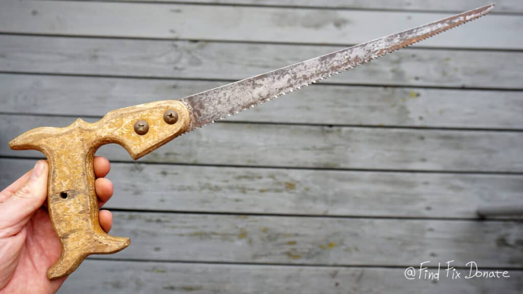 How to start with your first restoration - using a hand saw for this restoration