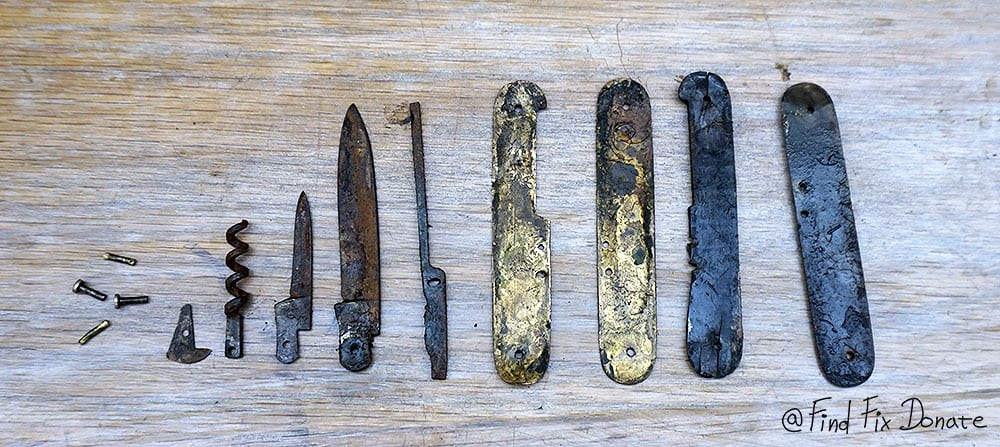 All knife's parts after disassembling.