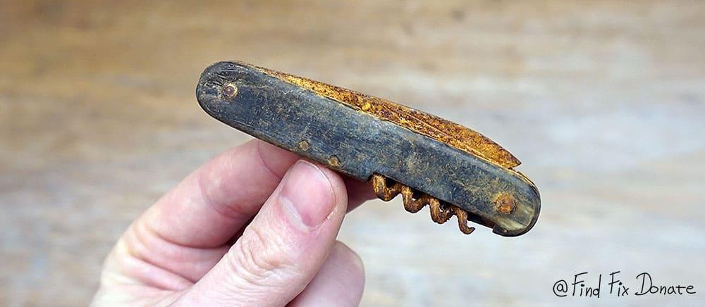 Old folding pocket knife before restoration