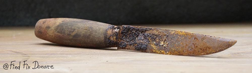 Old Mora knife before restoration.