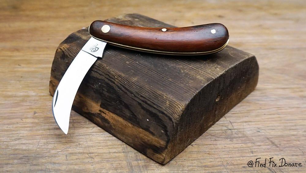 Pocket knife after restoration.