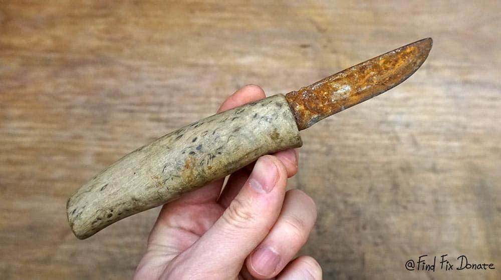 Old handmade knife before restoration.