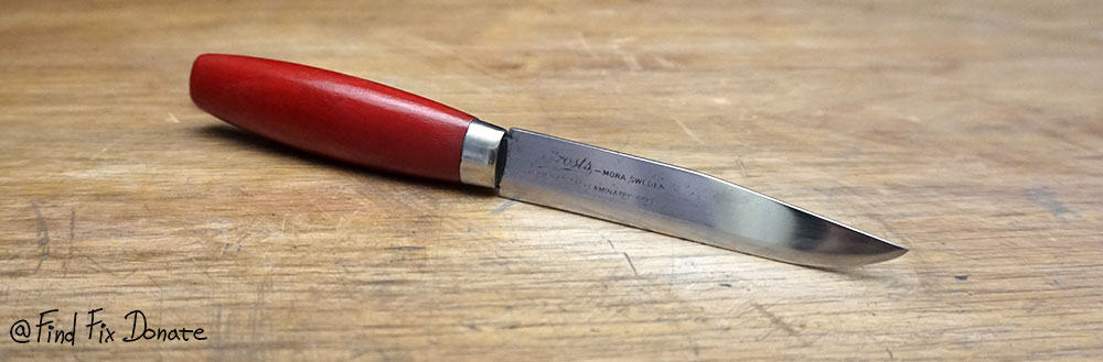 Frosts Mora knife in full glory.