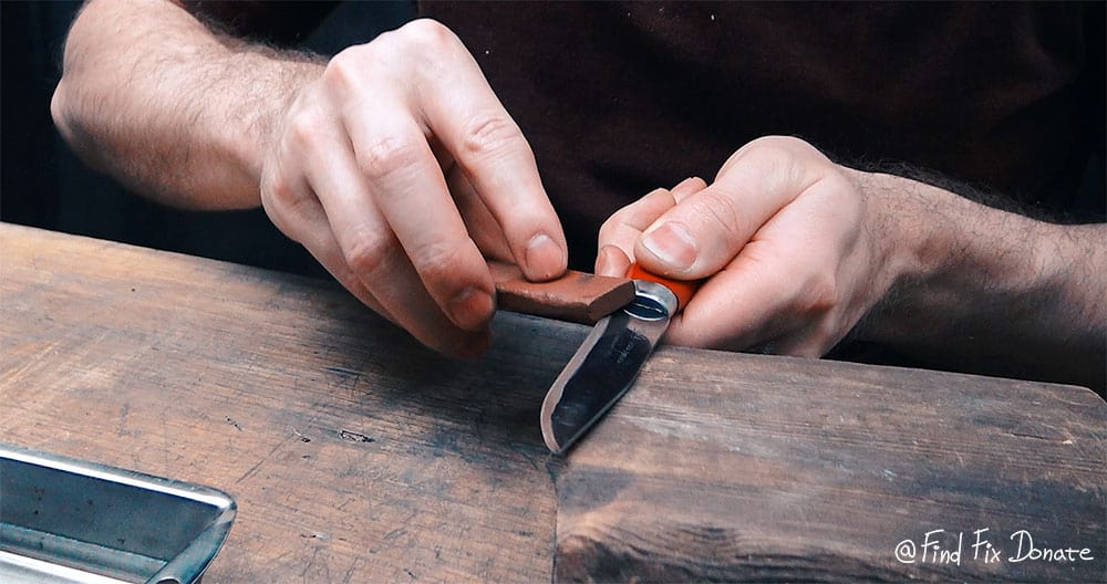 Sharpening the Frosts Mora knife