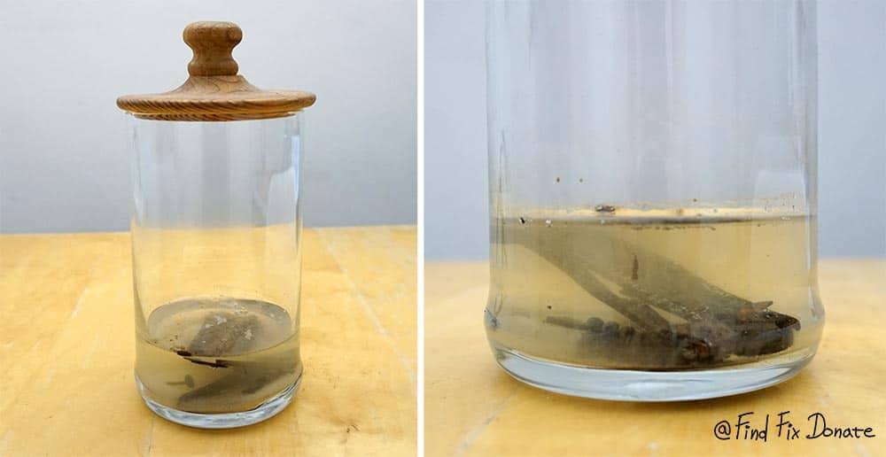Vinegar bath as a rust remover agent.