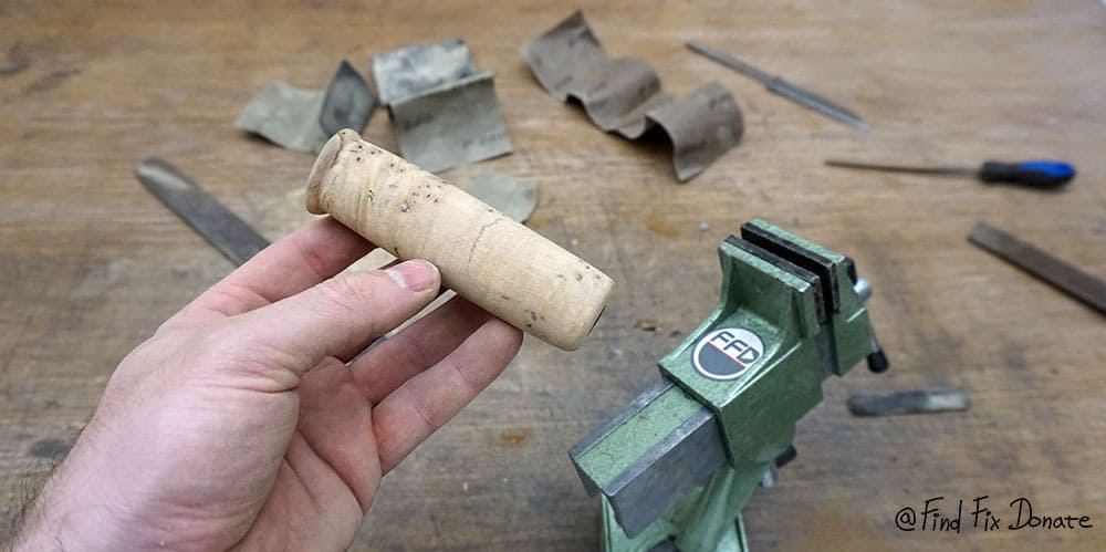 This is how handle looks like after sanding.